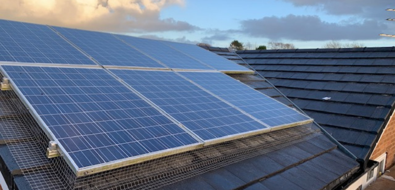 solar panels work on cloudy days